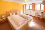 Fewo Ofterschwanger Horn Wohn- Schlafzimmer