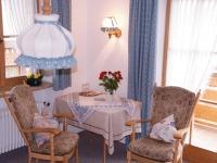 Zimmer 5: Sitzecke