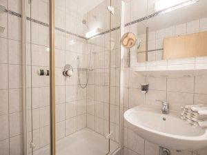 Ferienwohnung Rotspitzstube Badezimmer