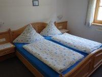 Schlafzimmer Ferienwohnung Alpenrose