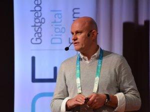Fragen zum Reiserecht beantwortet Florian Dukic (c) Gastgeber Digitalforum