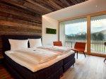 Sonnenburg-hotel-kleinwalsertal-berg-doppelzimmer-01