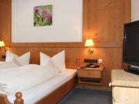 Spielmannsau Doppelzimmer Kat 45 Hotel Pension IMG 4406