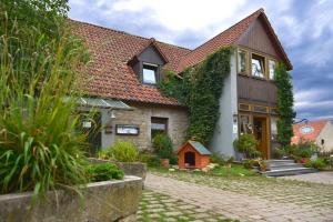 Erlebnisbauernhof und Gasthof Stierhof Dornheim