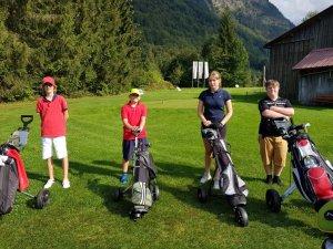 Die Teilnehmer des 9-Loch-Turniers