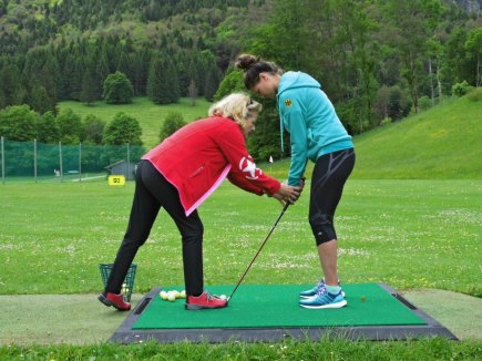 Der richtige Griff ist das A und O: Weltmeisterin Carina Vogt