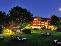 2-Hotel-Rosenstock-Fischen-im-Sommer