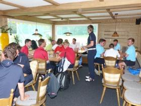 Gemeinsames Essen und Siegerehrung im Café Gebrgoibe