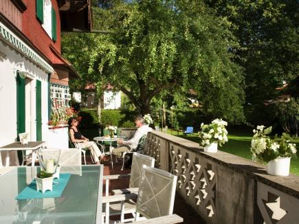 Die Geldernhaus Terrasse im Sommer