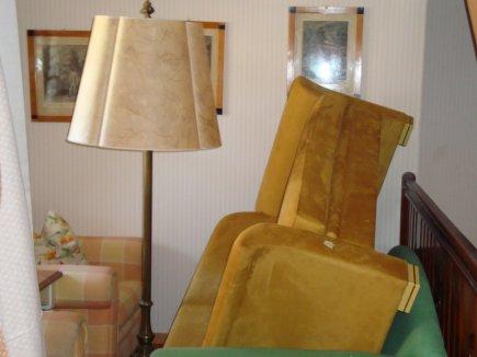 Überall Möbel in den Gängen