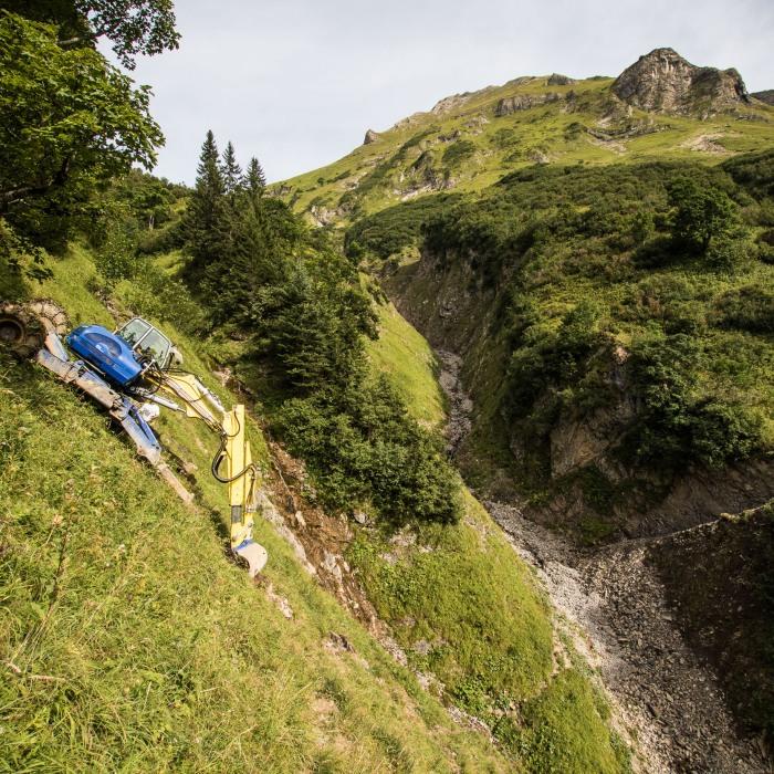 Rückweg des Schreitbaggers ins Tal