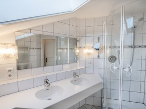 Badezimmer Edelweiß 214