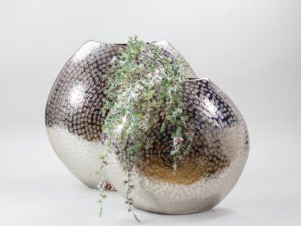 Vasen aus Metall (00035)