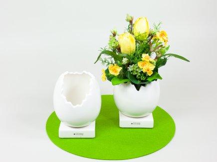 Tiziano Eigefäße mit Frühlingsstrauß (00075)