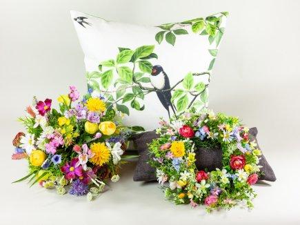 Wiesenblumen und Kissen (00180)
