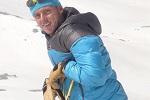 Gastgeber Peter Ücker auf Ski