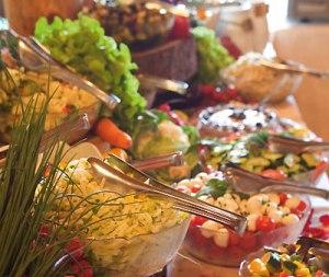 Knackiges Hütten-Salatbuffet