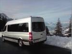 VIP Liner vor Schneebedeckten Bergen