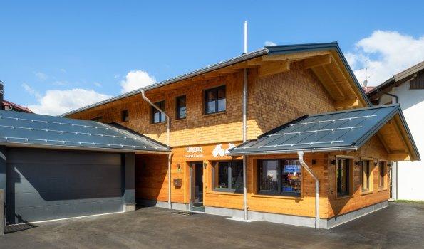 Alpen Lodge Hauseingang