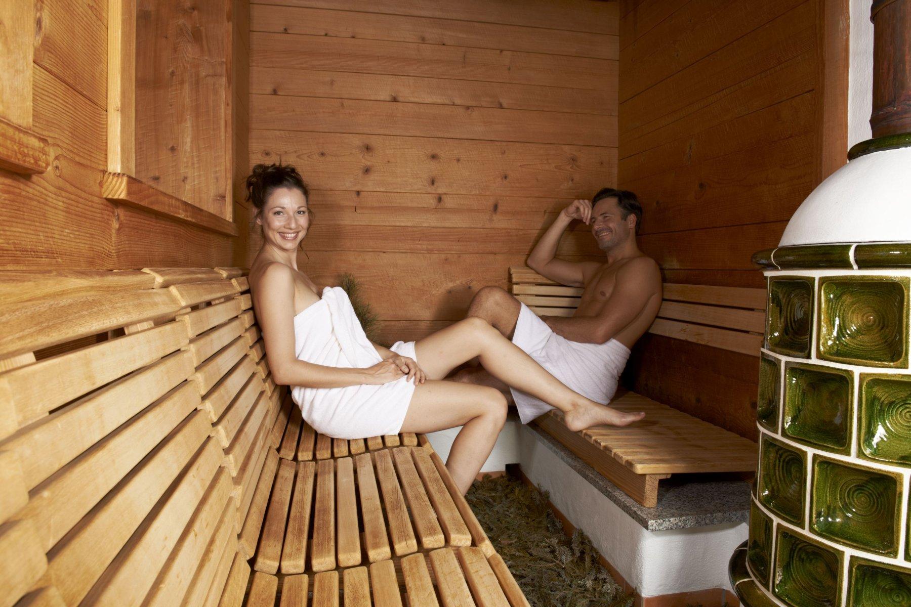 Die Sauna des Haubers bietet Wellness und Entspannung bei angenehmen 40°C und 50% Luftfeuchtigkeit.