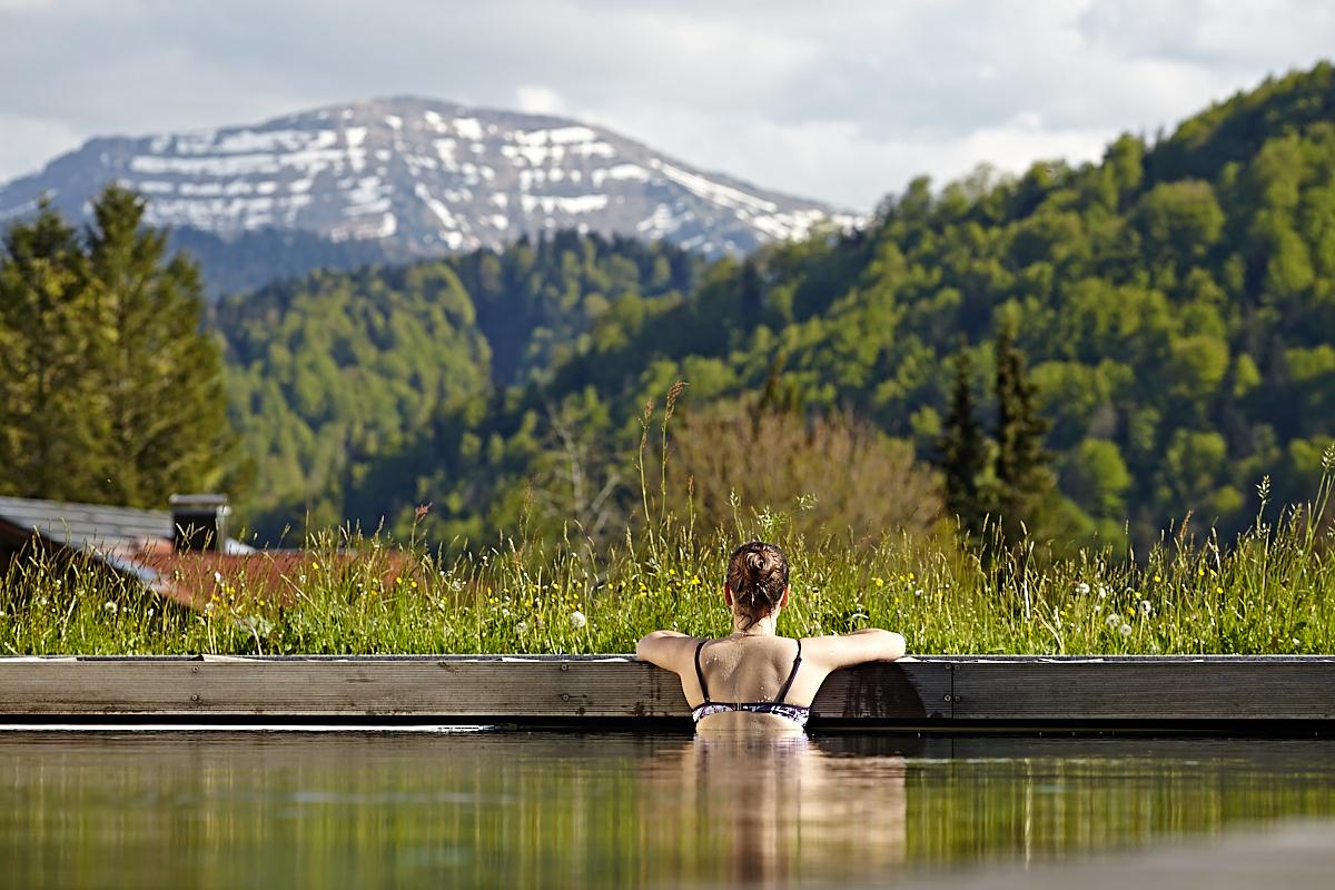 mit wunderbarem Panoramaausblick auf die Berge mit dem Hochgrat