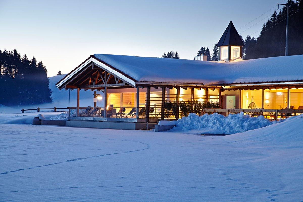 Saunen, Ruheräume, Lounge und Fitness im neuen Haus am See