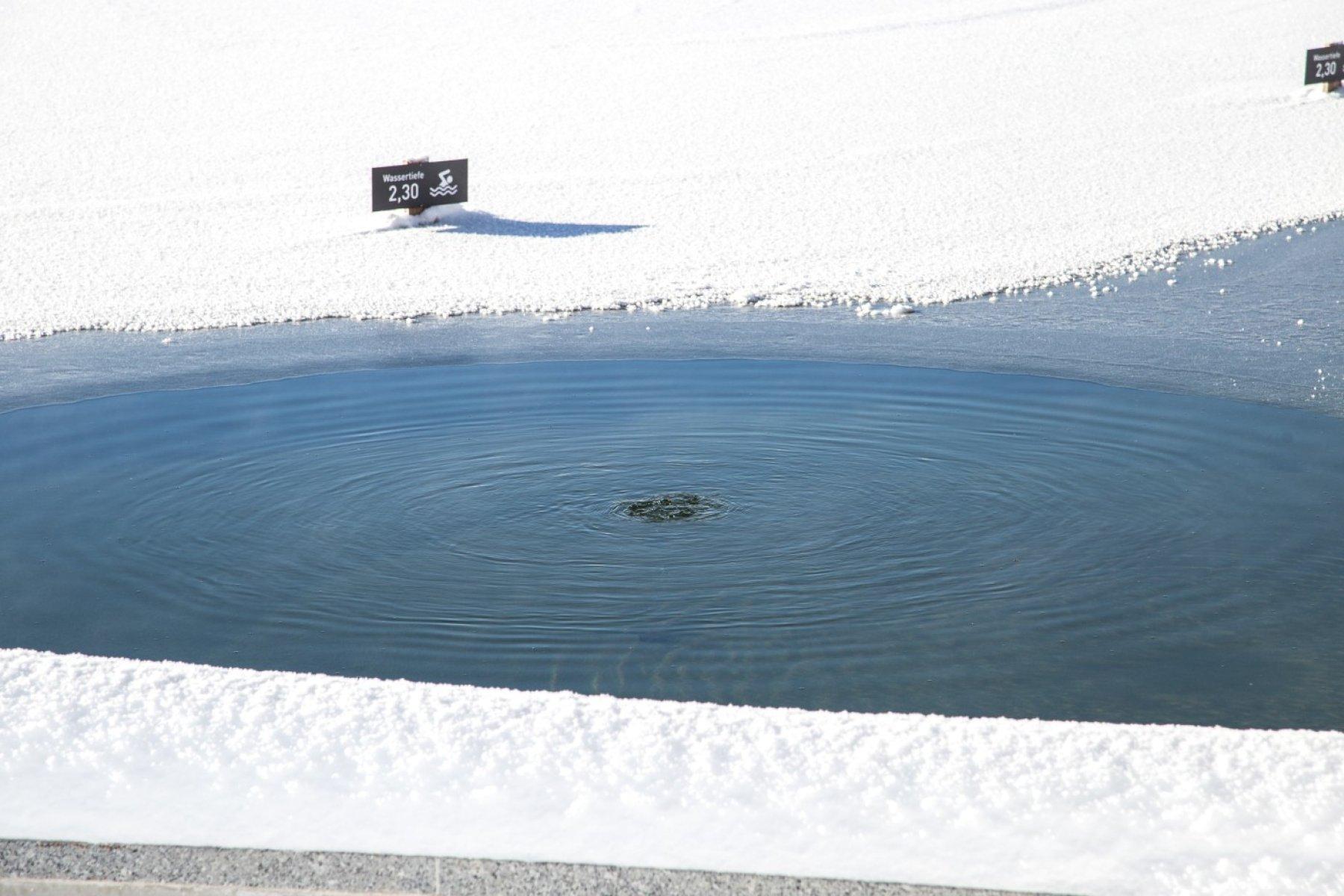 Winter im Natursee. Gibt es bei Haubers eine heiße Quelle?