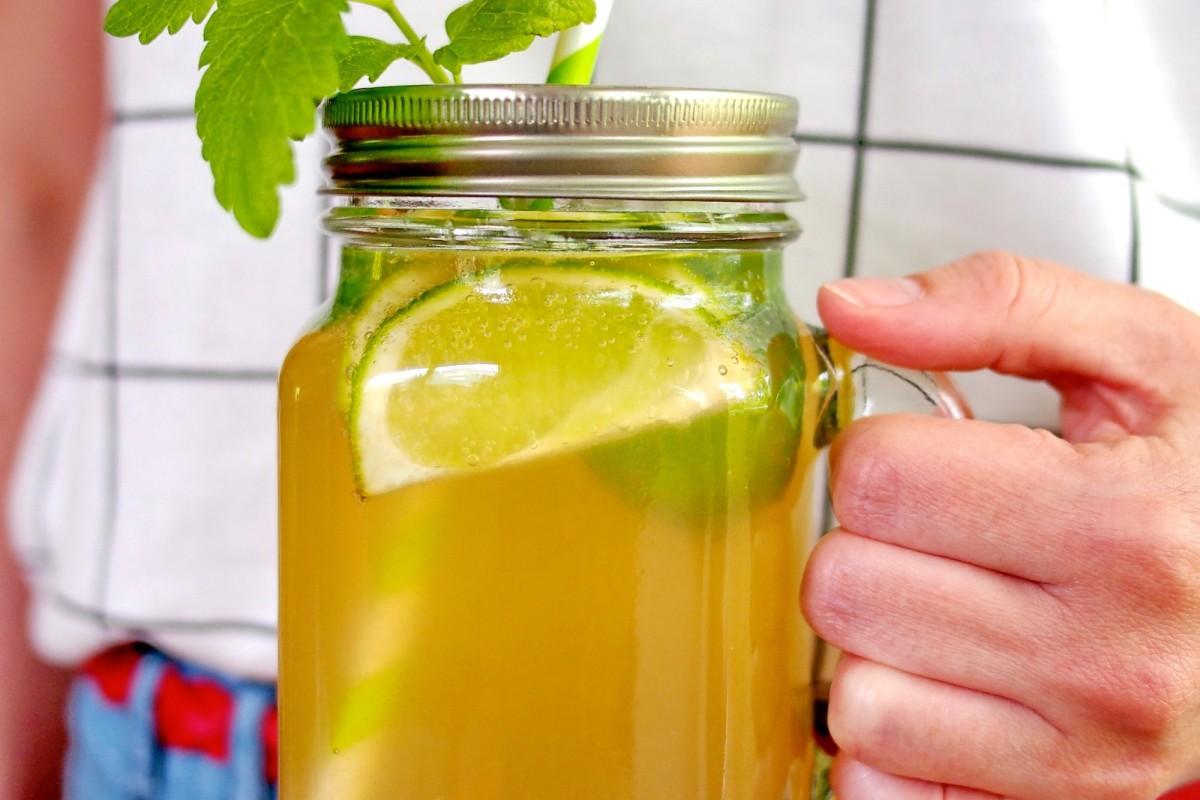 Leckere Limeade - eine Limonade mit ganz viel Limette.