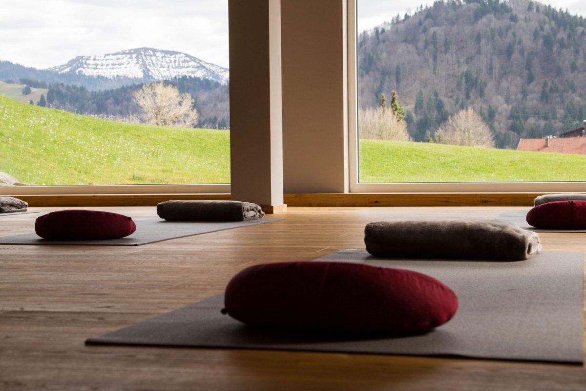 6-Yoga-1200x800px
