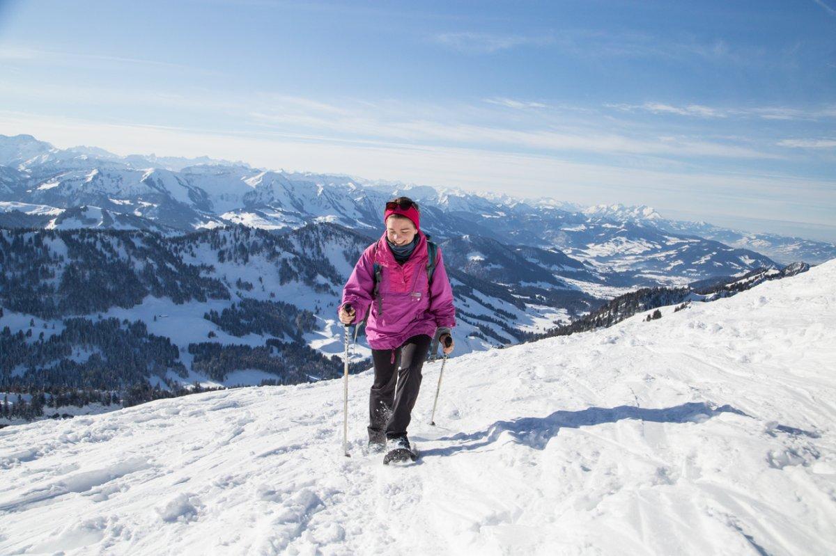 Schneeschuhwandern ist von der Hoteltüre aus möglich