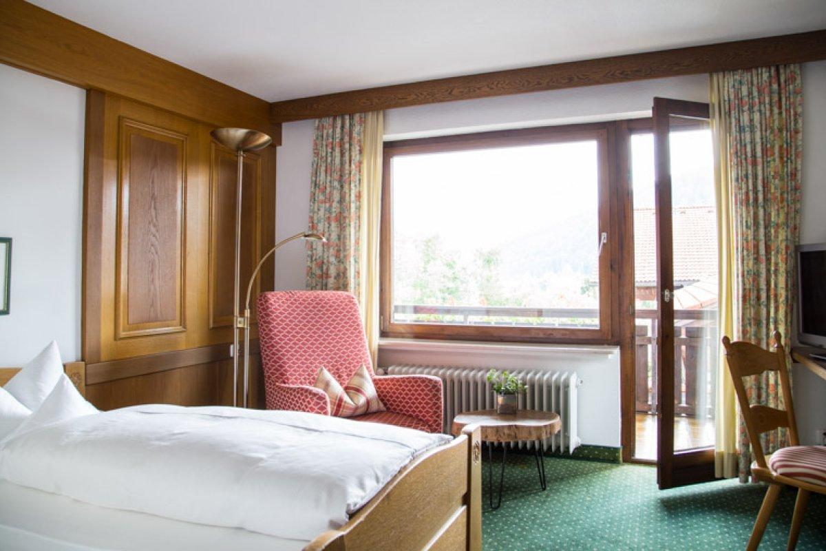 Unser Einzelzimmer im Landhaus bieten den Blick nach Süden auf die Allgäuer Alpen