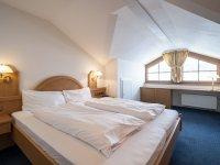 7 Ferienwohnung 805 Oberstdorf Schlafzimmer