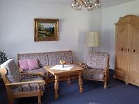 Wohnzimmer mit Südbalkon