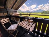 Ausblick Balkon m. Wein