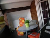 Ferienwohnung I: Sitzecke auf dem Balkon
