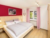 Jahreszeiten Fewo Alpenrose Schlafzimmer