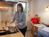 Komplett ausgestattete Küche in der Ferienwohnung