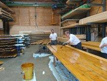 Bretter für den Holzschirm malen
