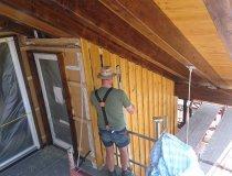 Holzschirm bis unters Dach