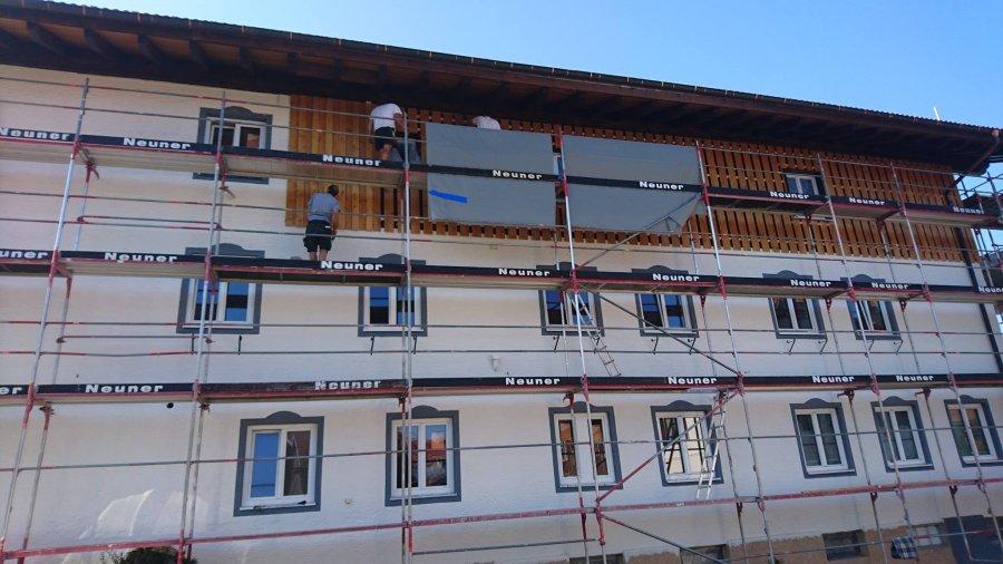 Ein neuer Holzschirm für das Haus am Rank