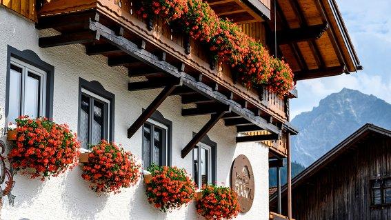 Hausansicht-Detail Sommer Haus am Rank