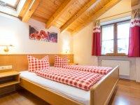 Enzian: Schlafzimmer