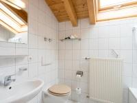 Enzian: Badezimmer