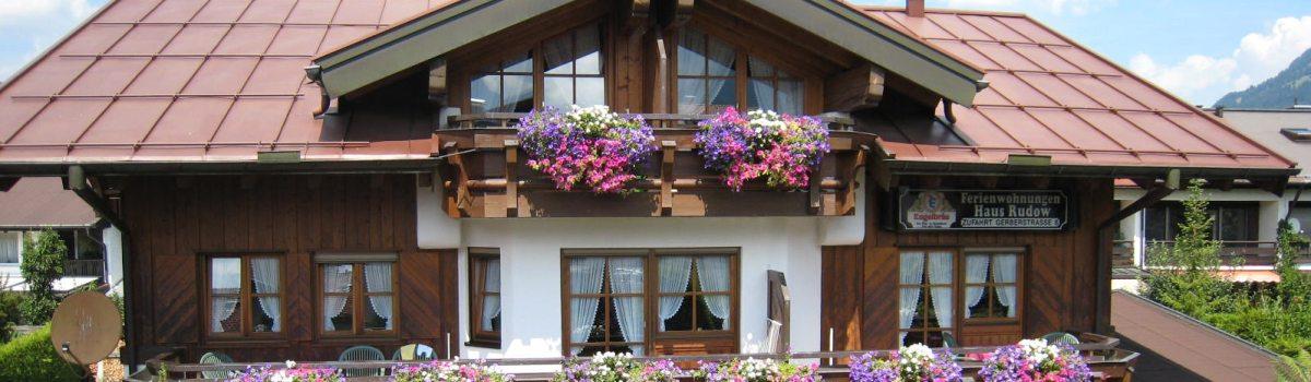 Haus Rudow Südseite mit sonnigen Balkonen
