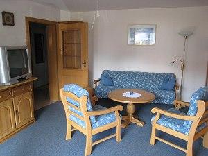 Gemütliches Wohnzimmer in der Ferienwonung Nr. 2