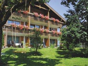 Gästehaus Sinz - Ansicht Südseite mit Garten