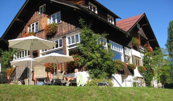 Cafe-Restaurant Karatsbichl mit Sonnenterrasse