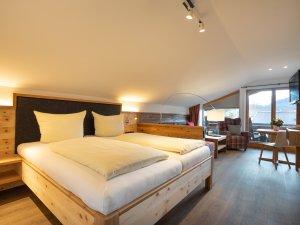 Gästehaus Sinz - Wohnung 8 - Schlafzimmer
