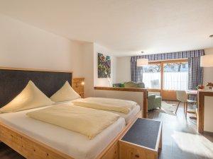 Gästehaus Sinz - Wohnung 2- Wohn-Schlafbereich