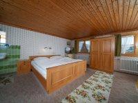 Ferienwohnung 1 – Schlafzimmer 1